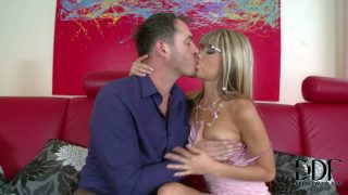 Gina and Jessyka Swan are two ladies that do some